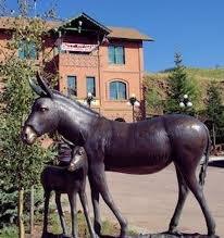 donkeystatue